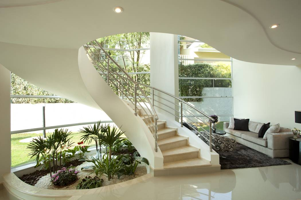Pasillos, vestíbulos y escaleras de estilo moderno por Arquiteto Aquiles Nícolas Kílaris