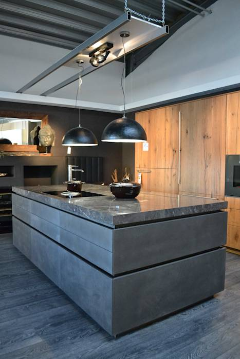 moderne k che bilder eggersmann beton dunkel mit altholz eiche homify. Black Bedroom Furniture Sets. Home Design Ideas