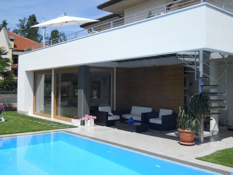 Foto di case in stile in stile moderno ampliamento villa for Case stile moderno foto