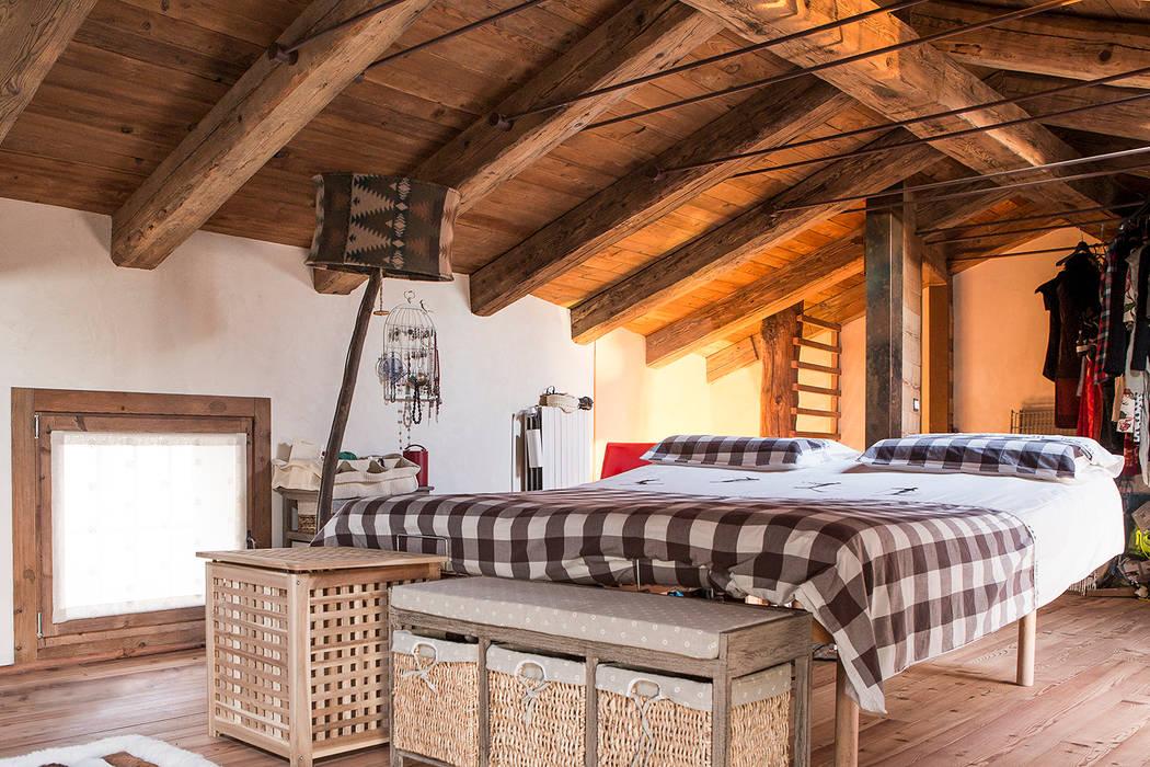 Foto di camera da letto in stile in stile rustico homify for Nuova costruzione 4 case di camera da letto