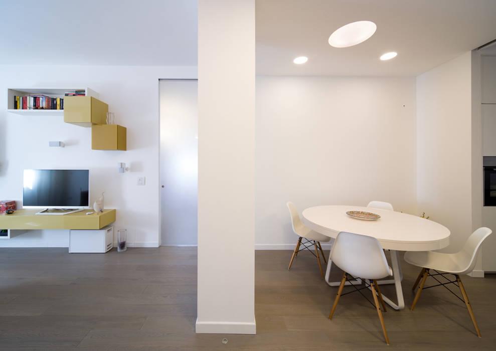Foto di soggiorno in stile in stile minimalista radiant for Soggiorno minimalista