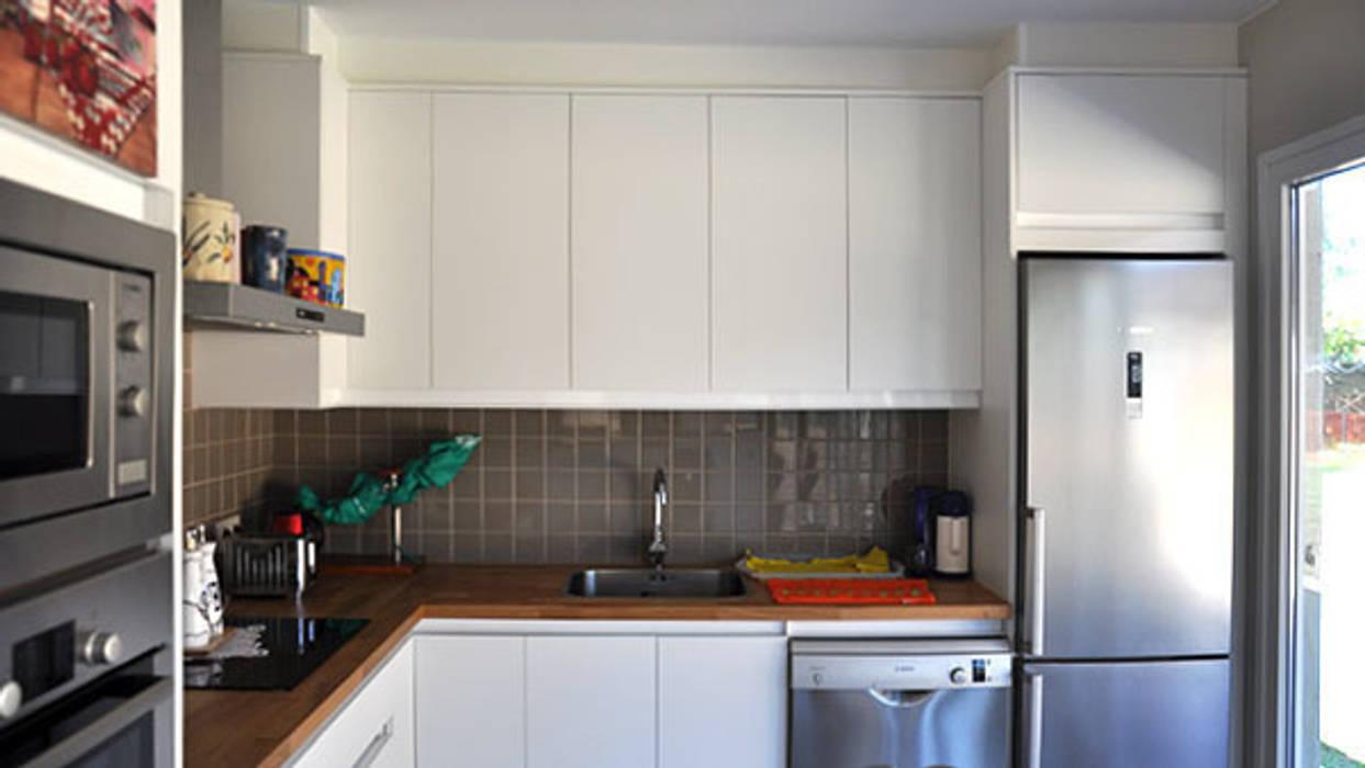 Fotos de cocinas de estilo moderno cocina de una casa for Cocina 15 metros cuadrados