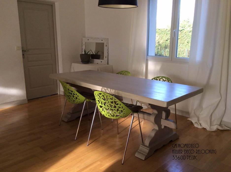 Photos de salle manger de style de style classique table monast re restaur e et relook e for Peindre mon salon salle a manger