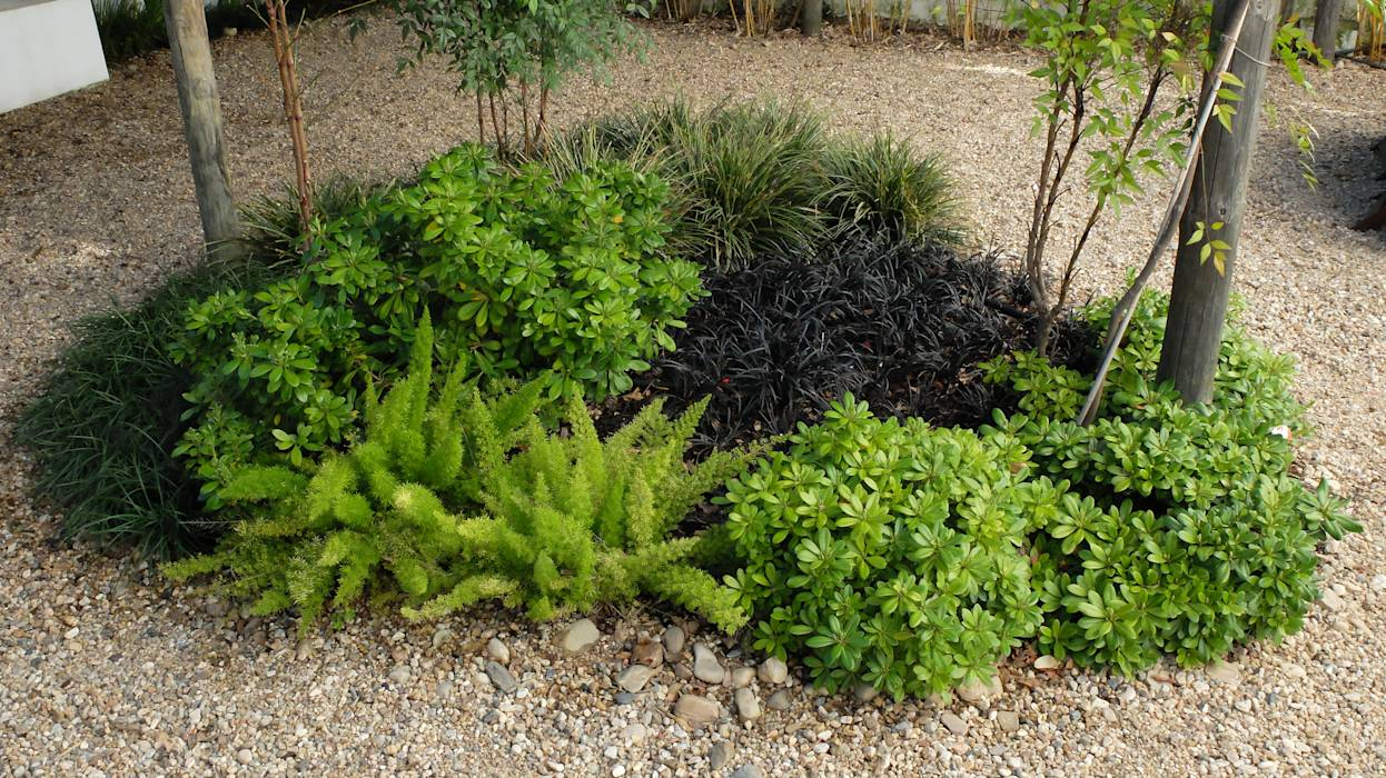 Jardines de estilo translation missing: ve.style.jardines.eclectico por Atelier Jardins do Sul