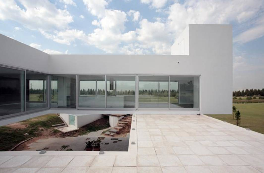 Fotos de casas de estilo minimalista homify for Proyectos minimalistas