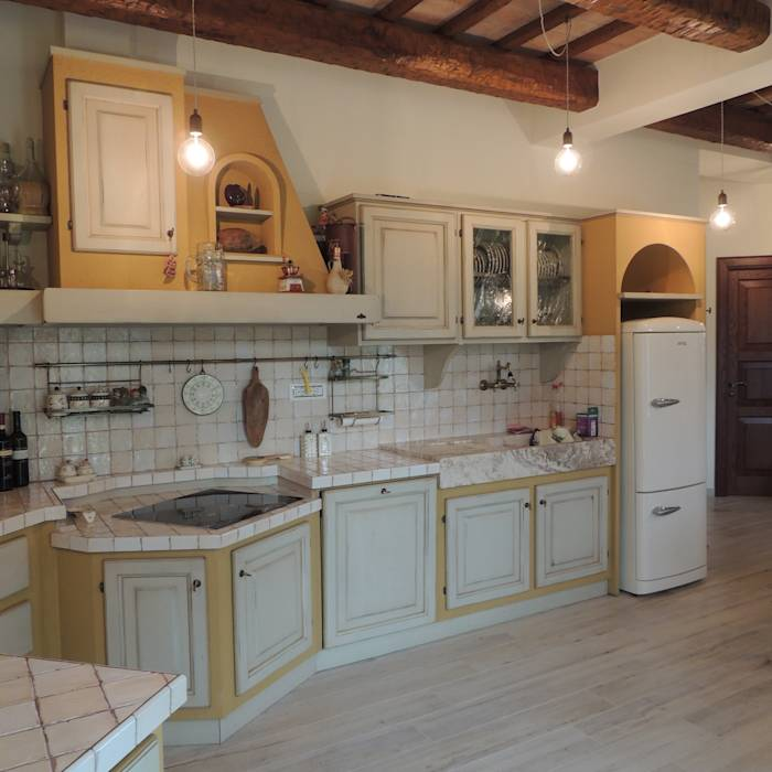 Foto di cucina in stile in stile rustico dettaglio della cucina in muratura homify - Cucina stile rustico ...