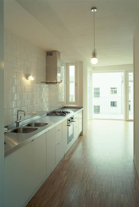 lichten: modern Kitchen by brandt+simon architekten