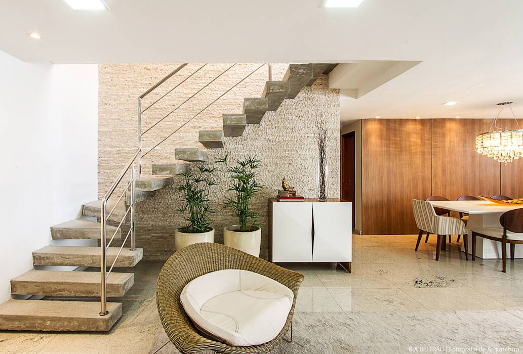 Salas / recibidores de estilo translation missing: ve.style.salas-recibidores.clasico por Cris Nunes Arquiteta