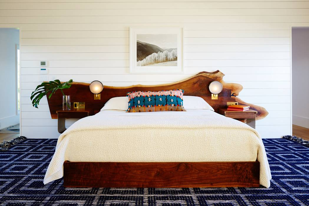 Old Montauk Highway House: modern Bedroom by SA-DA Architecture