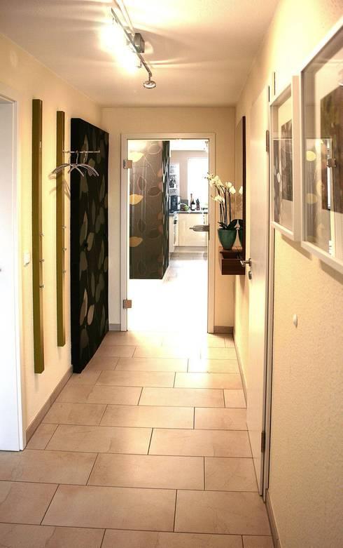 naturstein im flur. Black Bedroom Furniture Sets. Home Design Ideas