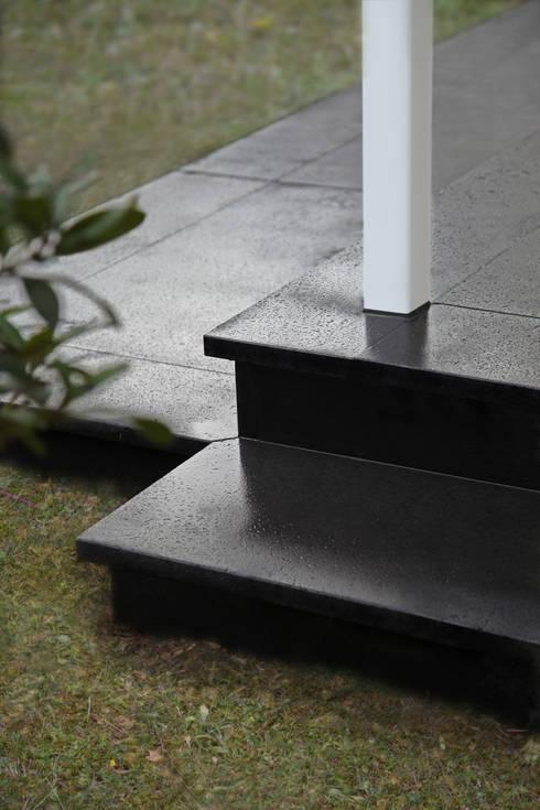 treppen aus naturstein. Black Bedroom Furniture Sets. Home Design Ideas