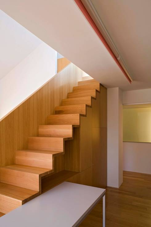 21 escadas ideais para casas com espaço limitado