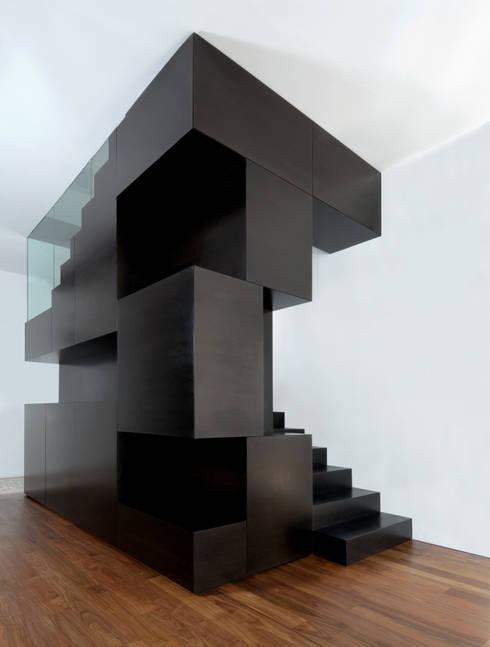 treppen in die einrichtung integrieren. Black Bedroom Furniture Sets. Home Design Ideas