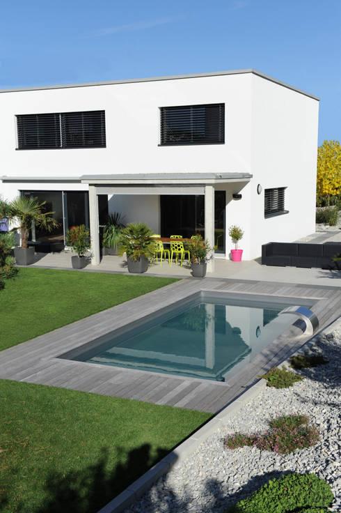 7 piscines parfaites pour les petits jardins for Liner pour piscine enterree rectangulaire