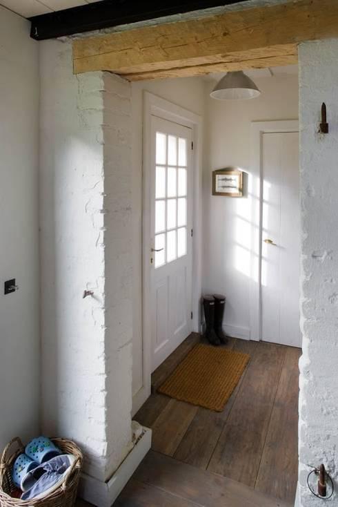 10 idee per un ingresso unico - Porta tocca pavimento ...