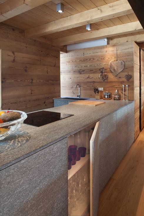 Cocinas de estilo escandinavo por archstudiodesign