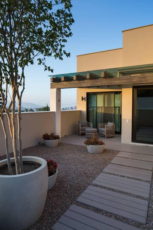 11 ideas para pisos de patios y terrazas for Pisos para terrazas interiores