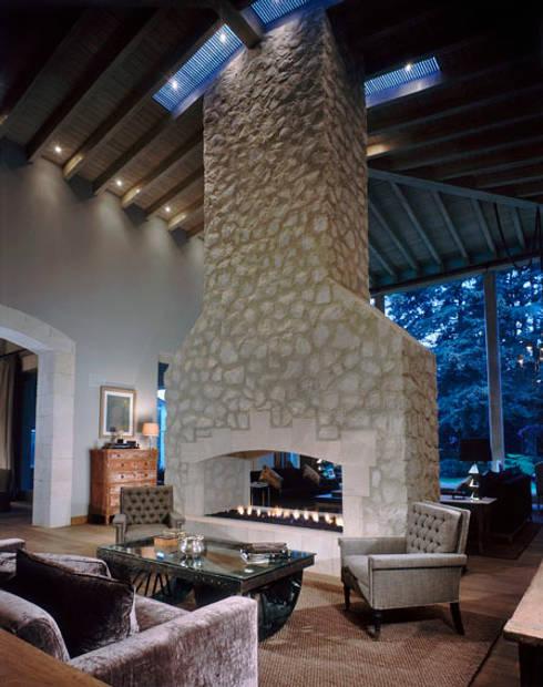 Livings de estilo ecléctico por JR Arquitectos