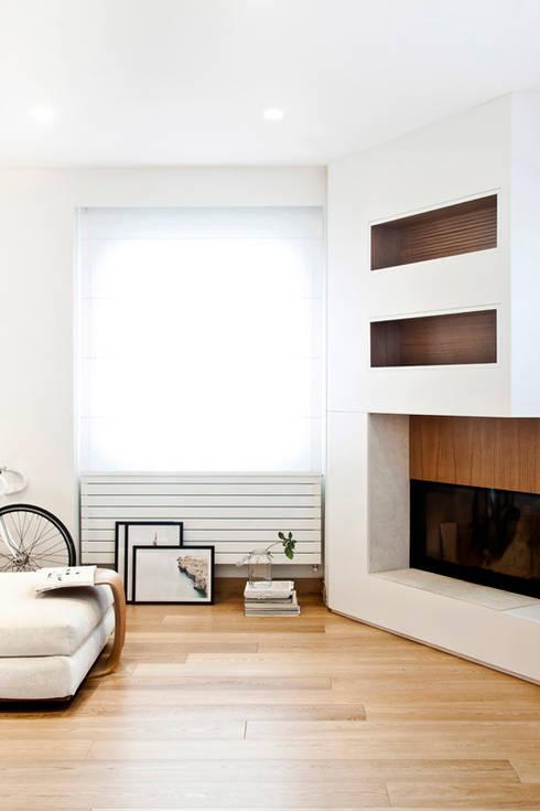 arredamento rustico interior design : Salone Rustico Con Camino Interior Design: Arredabook arredamento part ...