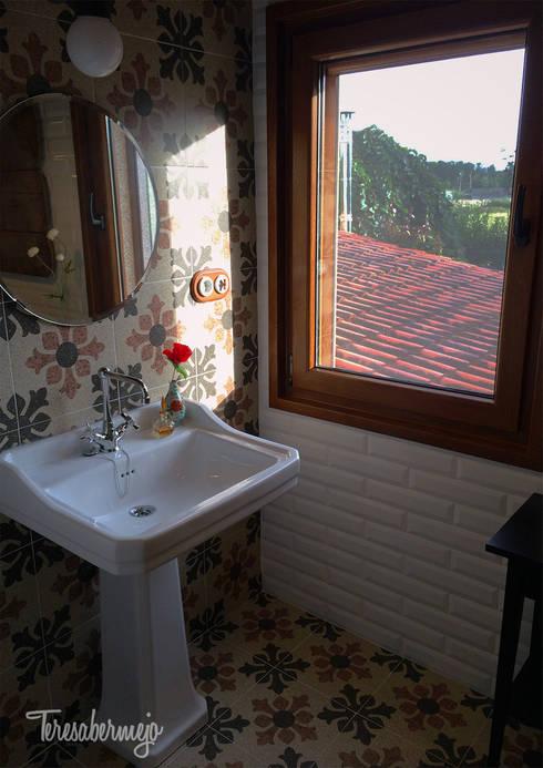 Baldosas Baño Rustico:El baño de Víctor : Baños de estilo rústico de Diseñadora de