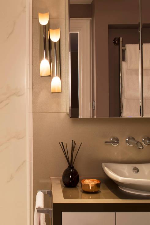 5 amazing ways to make a windowless bathroom look better. Black Bedroom Furniture Sets. Home Design Ideas