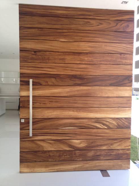 Bienvenidos 10 puertas de madera sensacionales for Puertas de madera para casas modernas