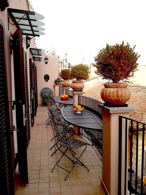 Come arredare un piccolo balcone stretto e lungo for Arredare il balcone