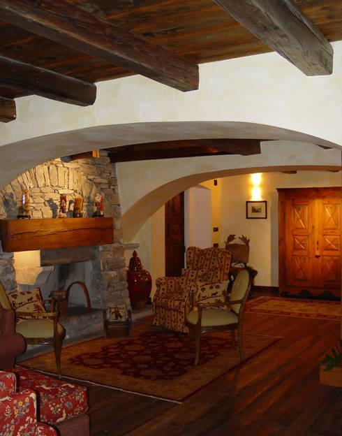 Lo chalet l appartamento e la baita 3 esempi di casa di for Arredamento baita montagna
