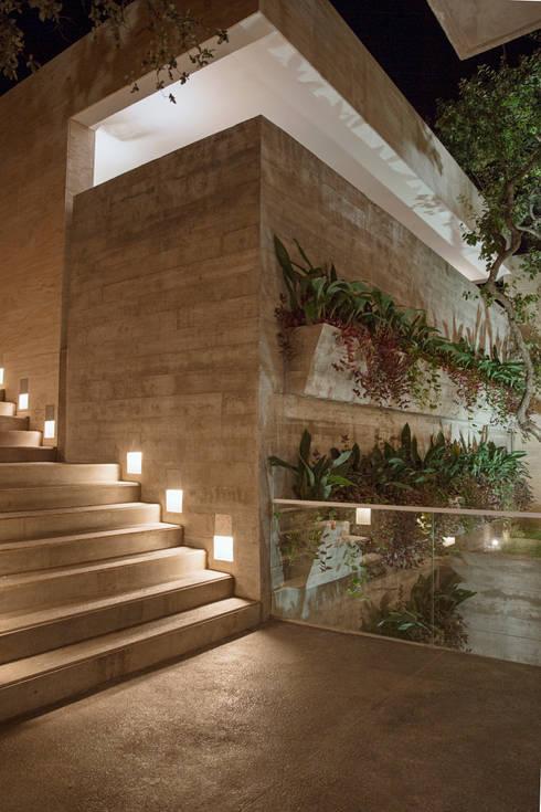 10 casas de concreto modernas y sensacionales for Jardines pequenos para casas modernas