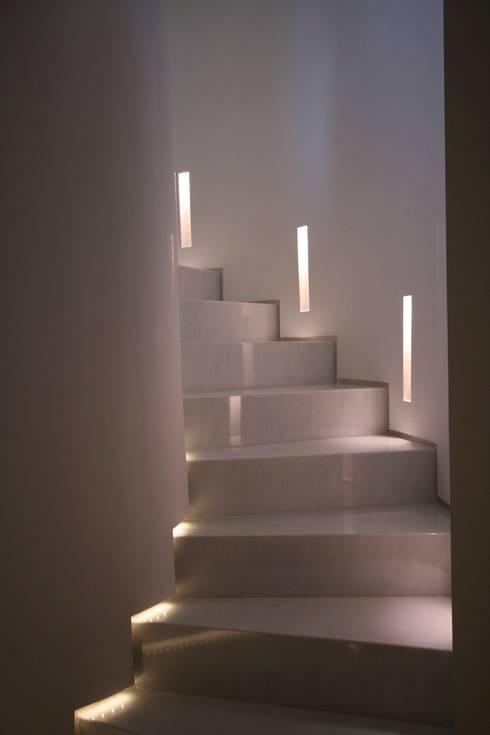 Treppenbeleuchtung 8 coole ideen - Wandleuchte treppenaufgang ...