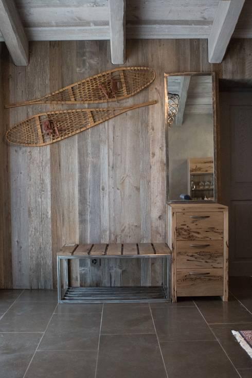decorazione Montagna terrazza : Entrata: Ingresso, Corridoio & Scale in stile in stile Moderno di DF ...