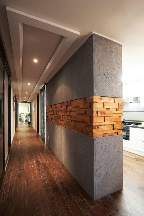 조화와 개성의 경계-나무 벽 인테리어