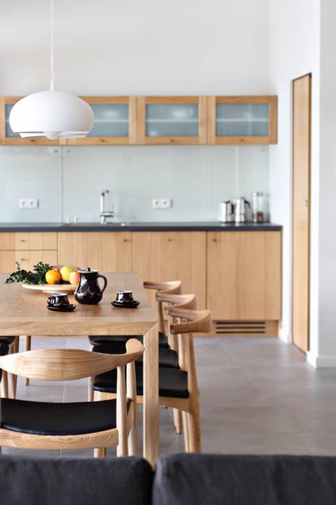 Kuchnia łączona z jadalnią – 7 pomysłów na piękną i funkcjonalną przestrzeń d   -> Kuchnia Drewniana Carousel