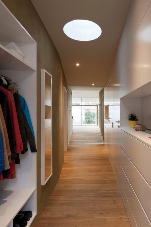 Klassieke woning krijgt moderne uitbreiding - Uitbreiding hal ...