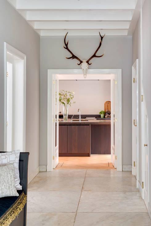 Zet je deurpost in het zonnetje 7 briljante idee n - Decoratie entree van hal ...