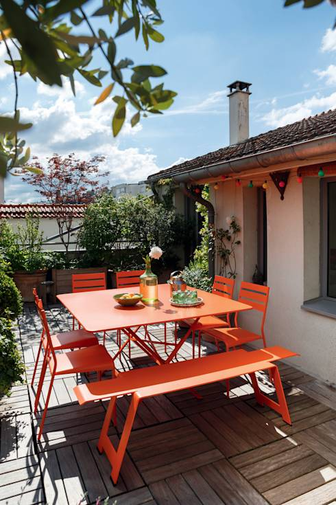 Tavolo Cargo : Giardino in stile in stile Moderno di La Tartaruga di Anselmi Ing. Danilo