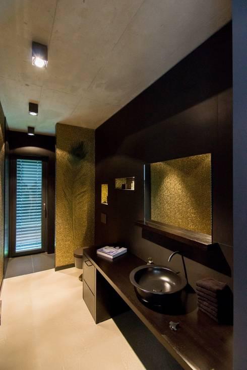 extravagantes haus mit schickem schlafzimmer. Black Bedroom Furniture Sets. Home Design Ideas