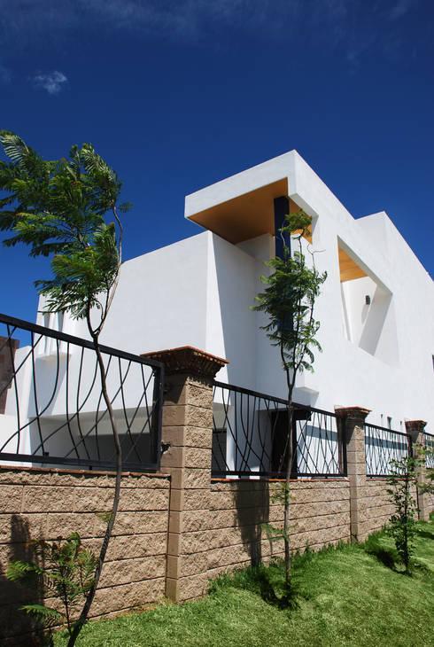 12 dise os de bardas y cercos que har n lucir tu casa fabulosa for Ver construcciones de casas
