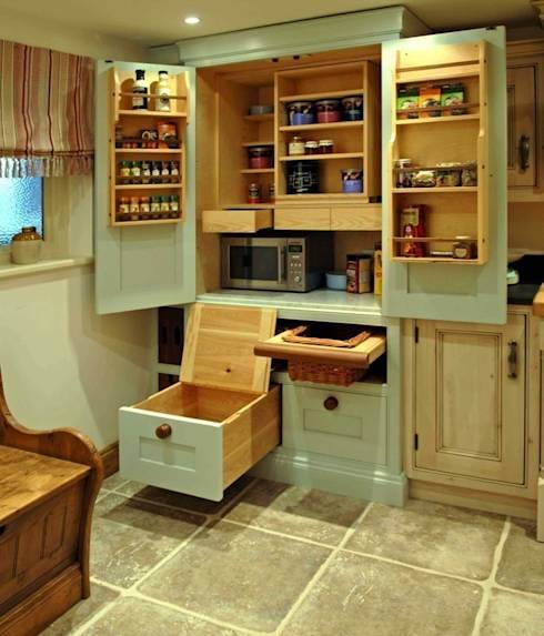 Country Kitchen Larder Cupboard