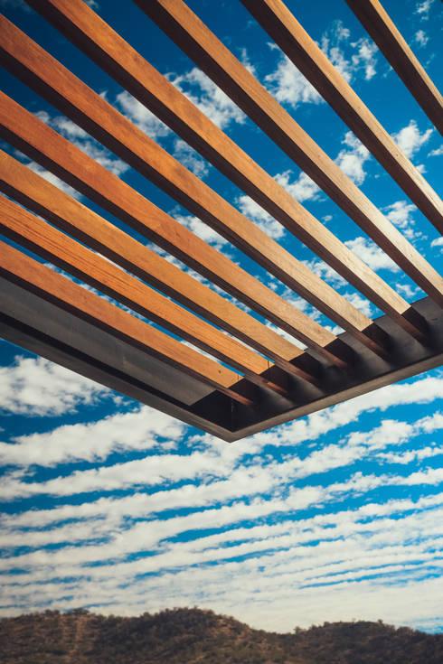 10 fant sticos garajes con madera - Pergolas para garajes ...