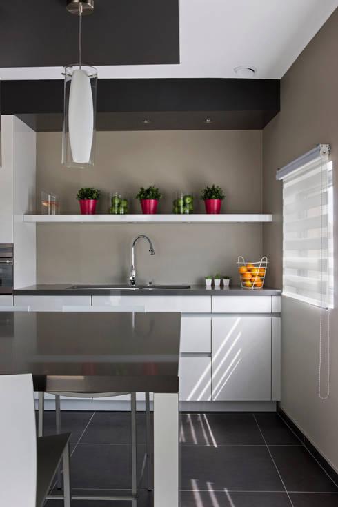 rideaux de cuisine comment les choisir. Black Bedroom Furniture Sets. Home Design Ideas