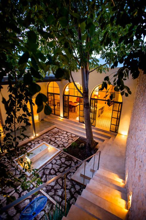 9 formas creativas de darle una nueva vida a tu patio - Patios andaluces decoracion ...