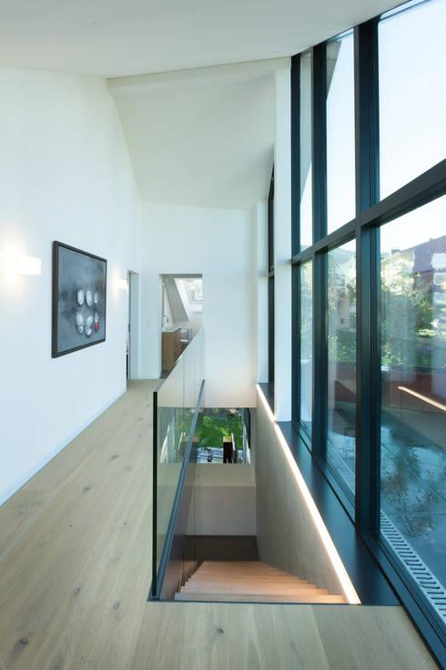 haus mit traumhafter dachterrasse. Black Bedroom Furniture Sets. Home Design Ideas