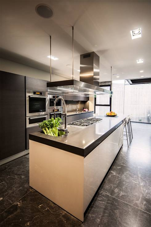 minimalistic Kitchen by grupoarquitectura