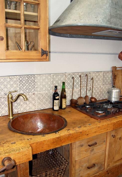 Lo stile rustico si fa moderno come usare il rame - Cucina stile vintage ...