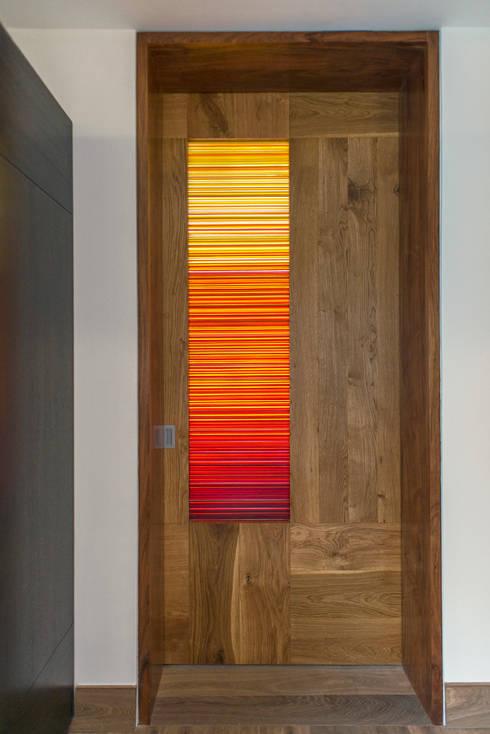 Puertas y ventanas de estilo moderno por Studio Orfeo Quagliata