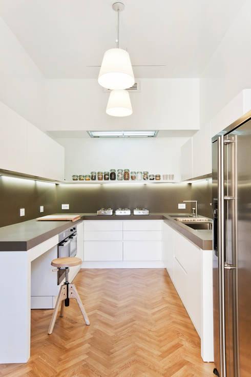 Le cucine bianche modelli e stili diversi - Cucine classiche bianche ...