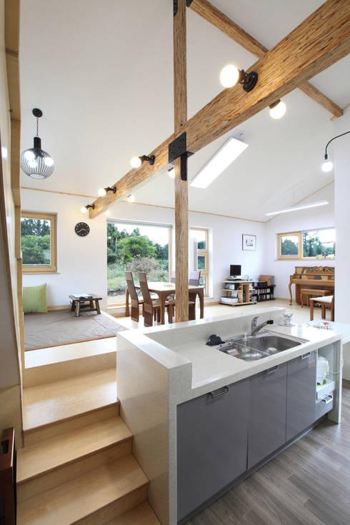 A lively korean home full of smart ideas for Split level extension ideas