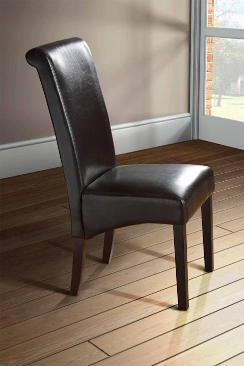 Pelle 10 sedie per l 39 area living for Pelle per rivestimento sedie