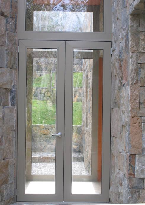 20 puertas y fachadas de vidrio que har n lucir casa fabulosa for Puertas de madera y cristal exterior